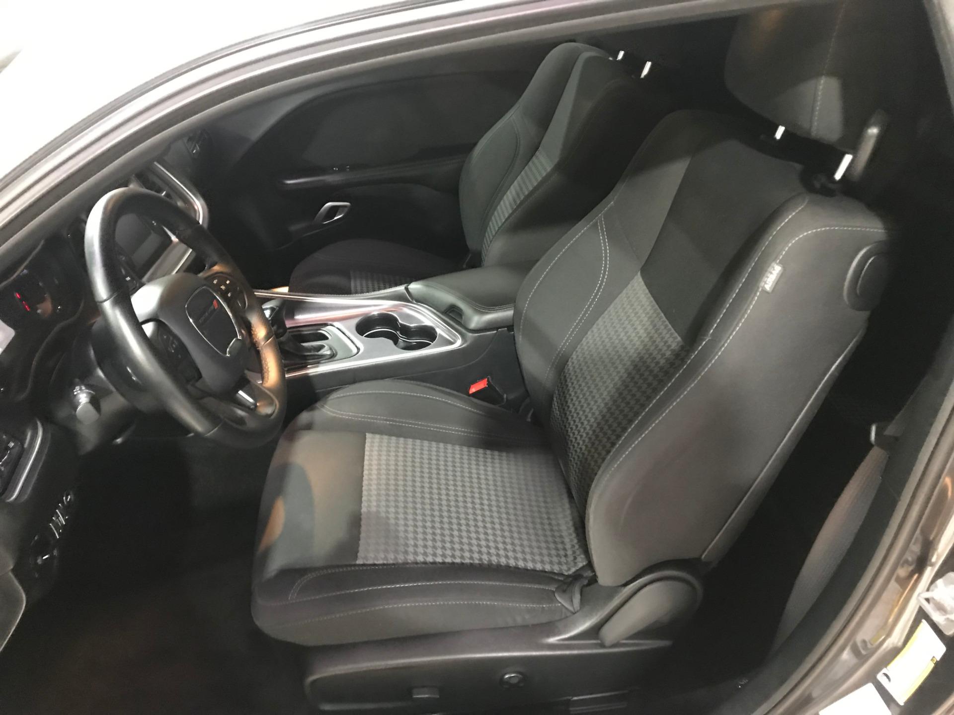 Used-2016-Dodge-Challenger-SXT