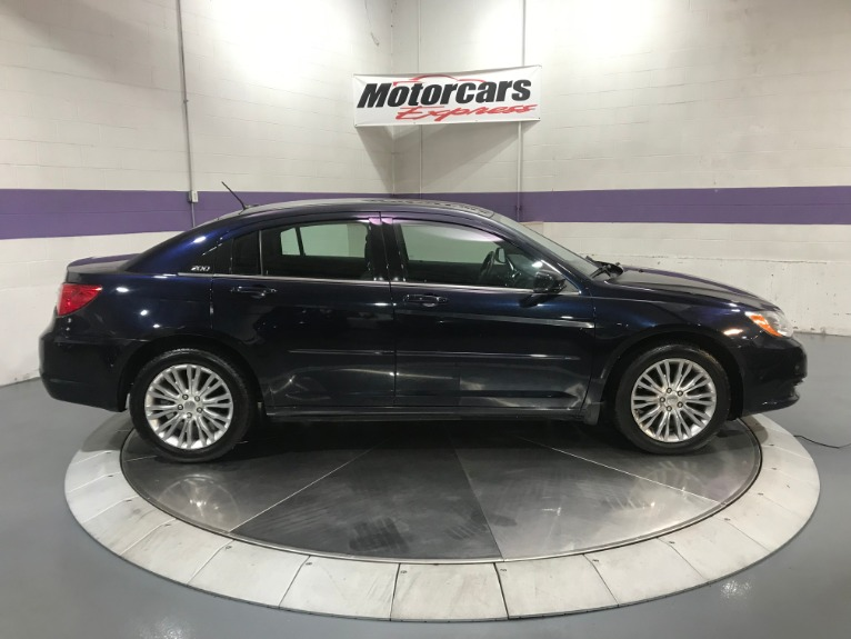 Used-2012-Chrysler-200-LX