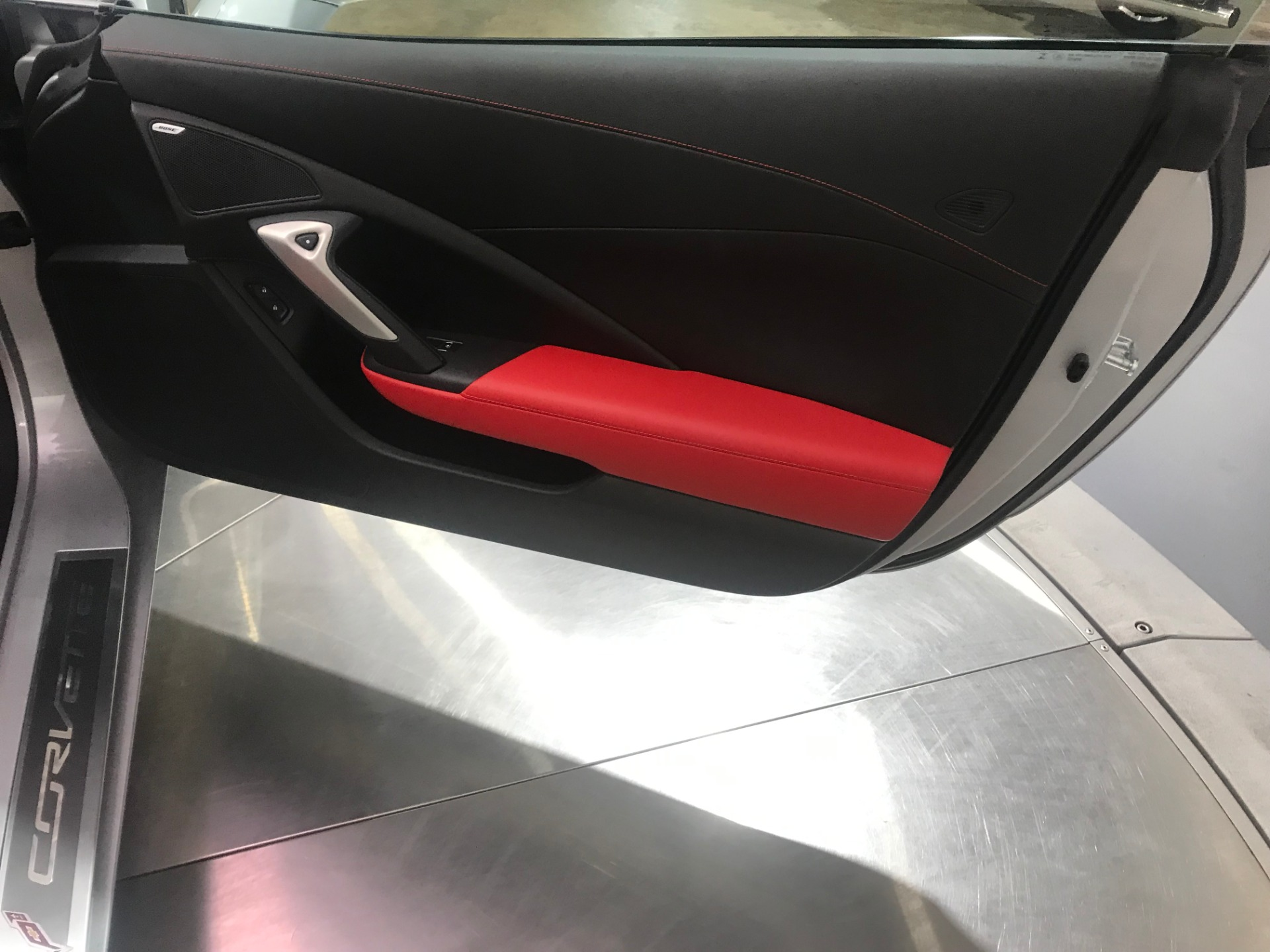 Used-2015-Chevrolet-Corvette-Stingray-RWD