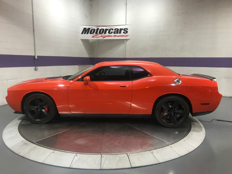 Used-2008-Dodge-Challenger-SRT8