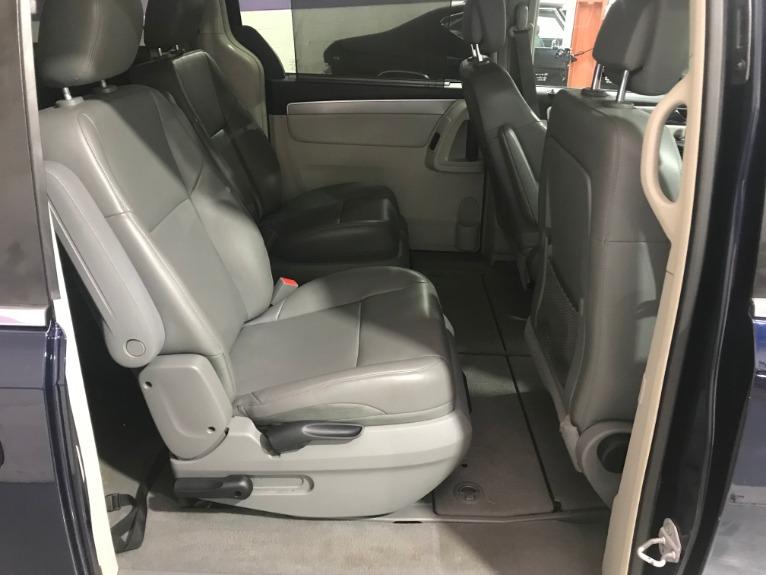 Used-2013-Volkswagen-Routan-SE