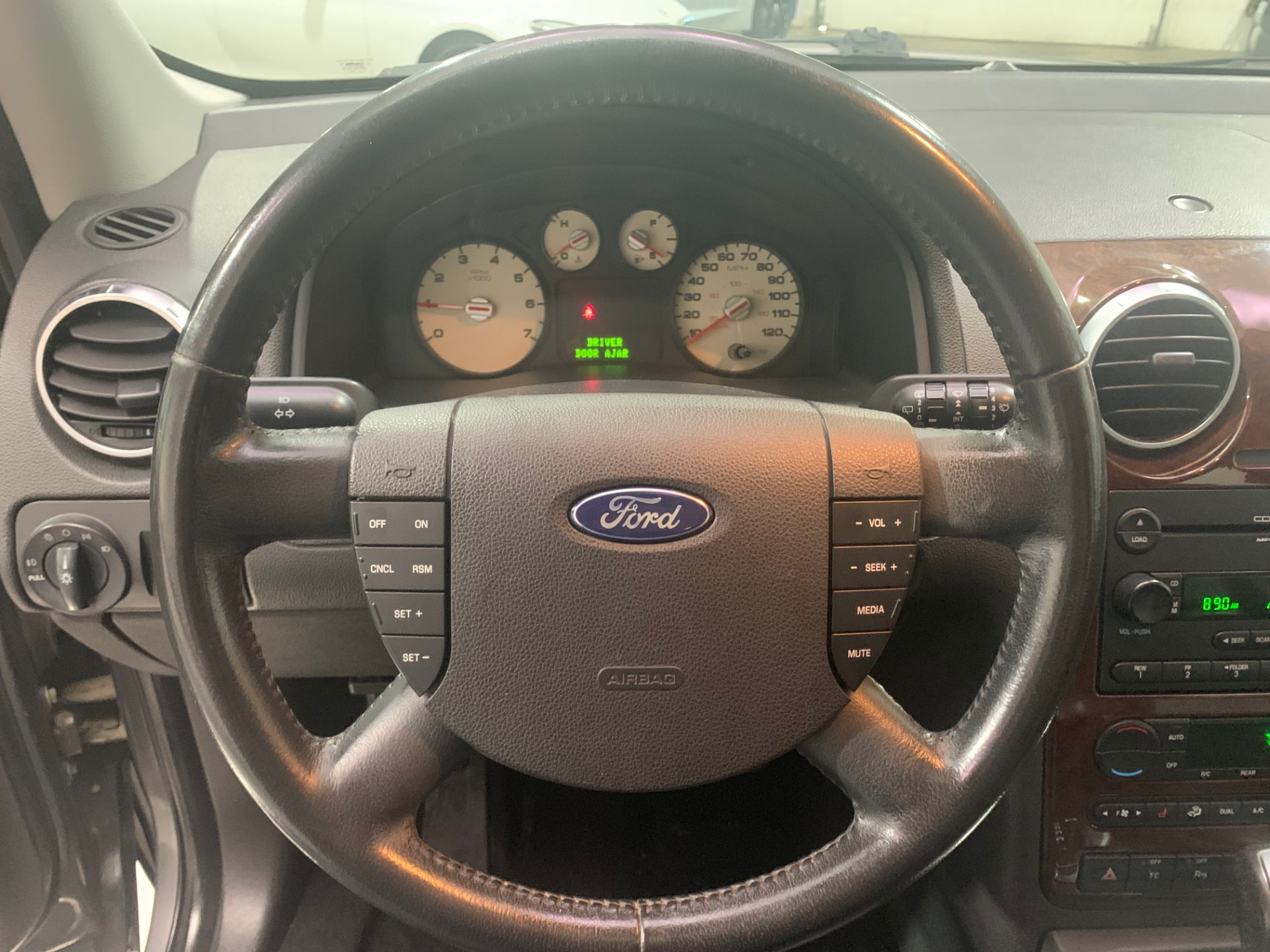 Used-2005-Ford-Freestyle-Limited-AWD