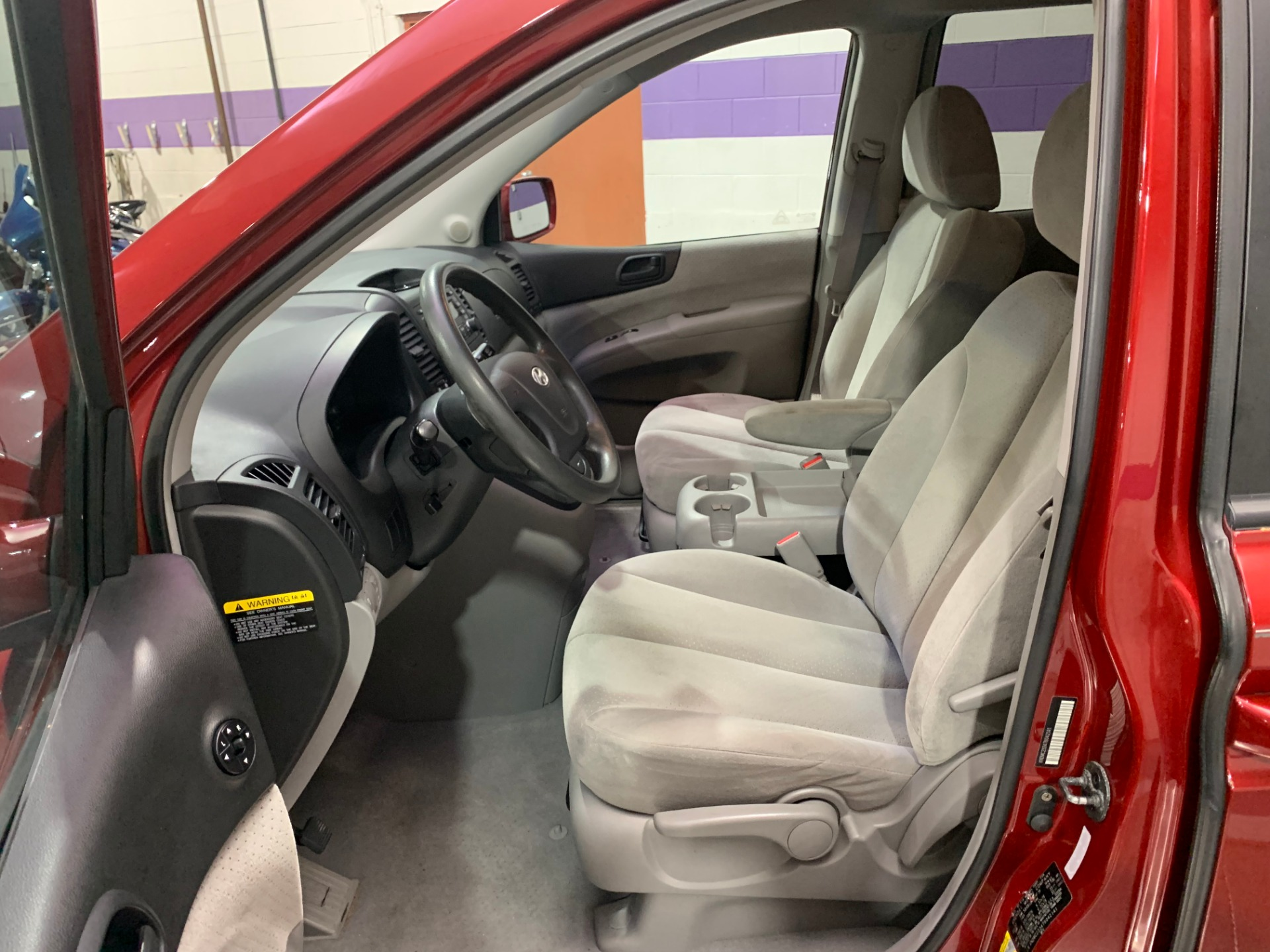 Used-2007-Hyundai-Entourage-SE-FWD