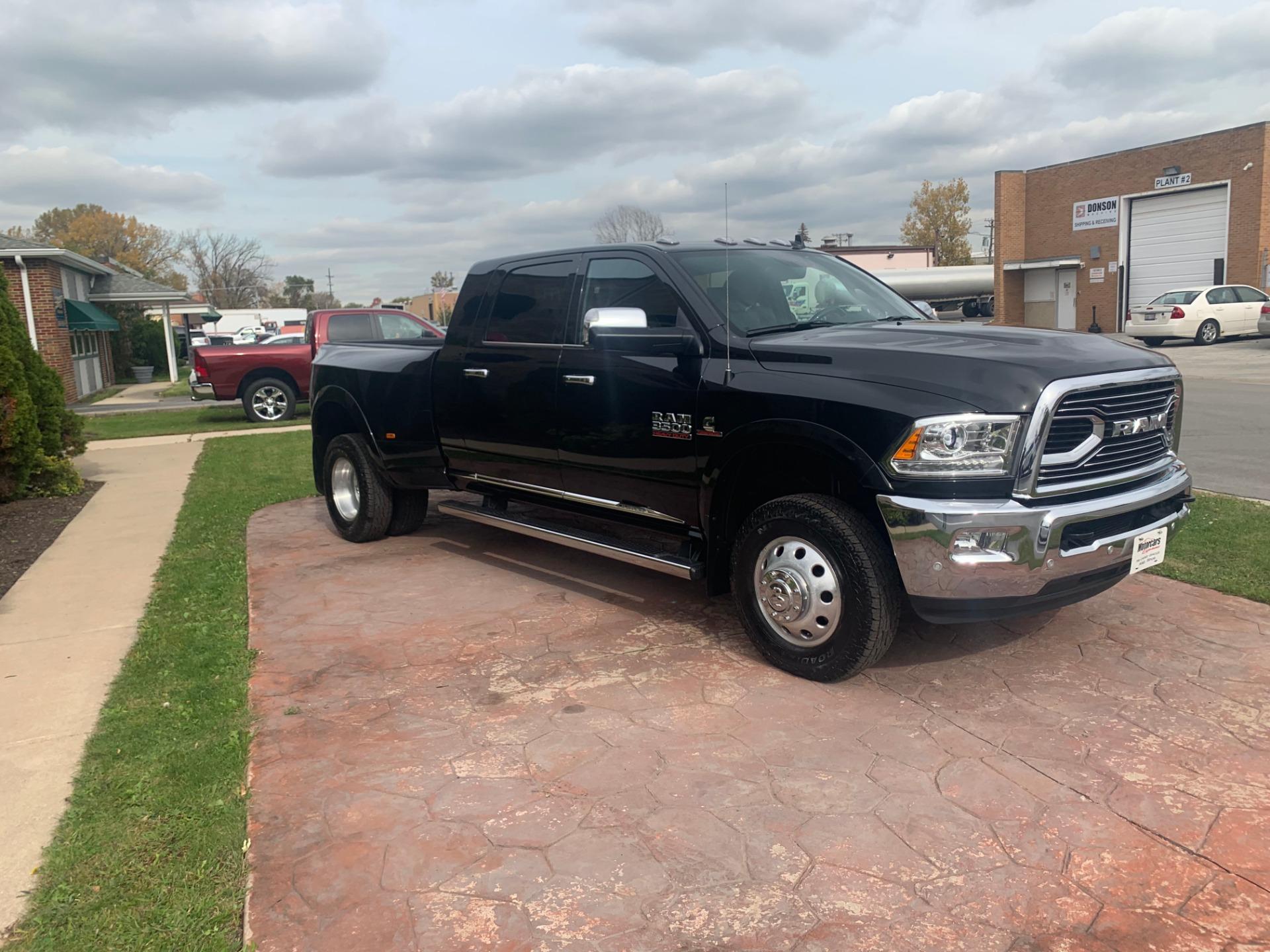 Used-2017-Ram-Ram-Pickup-3500-Laramie-Limited