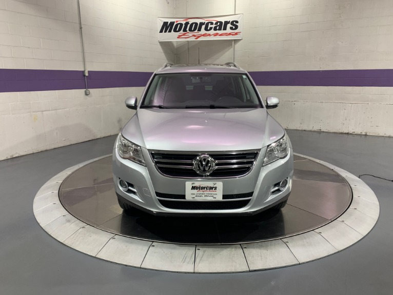 Used-2011-Volkswagen-Tiguan-SE-4Motion-AWD