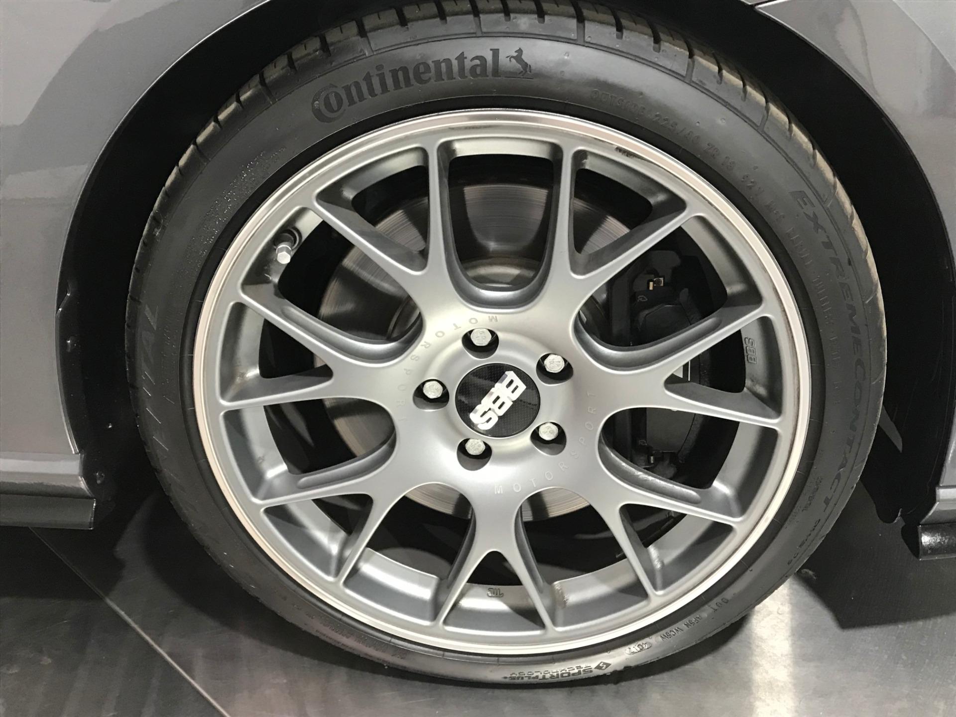 Used-2018-Volkswagen-Golf-R-AWD-4dr-Hatchback-6M