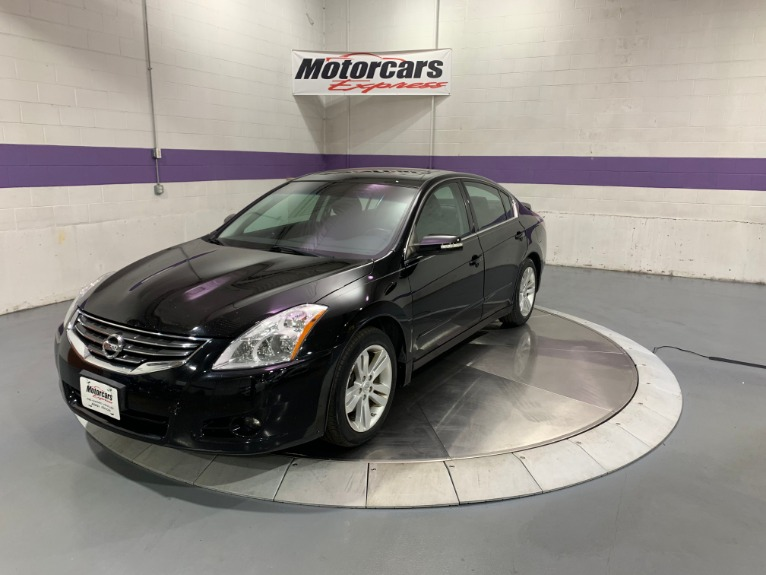 Used-2012-Nissan-Altima-35-SR-FWD