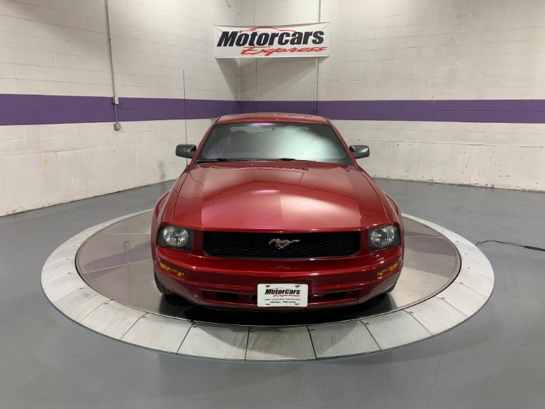 Used-2007-Ford-Mustang-V6-Deluxe-RWD