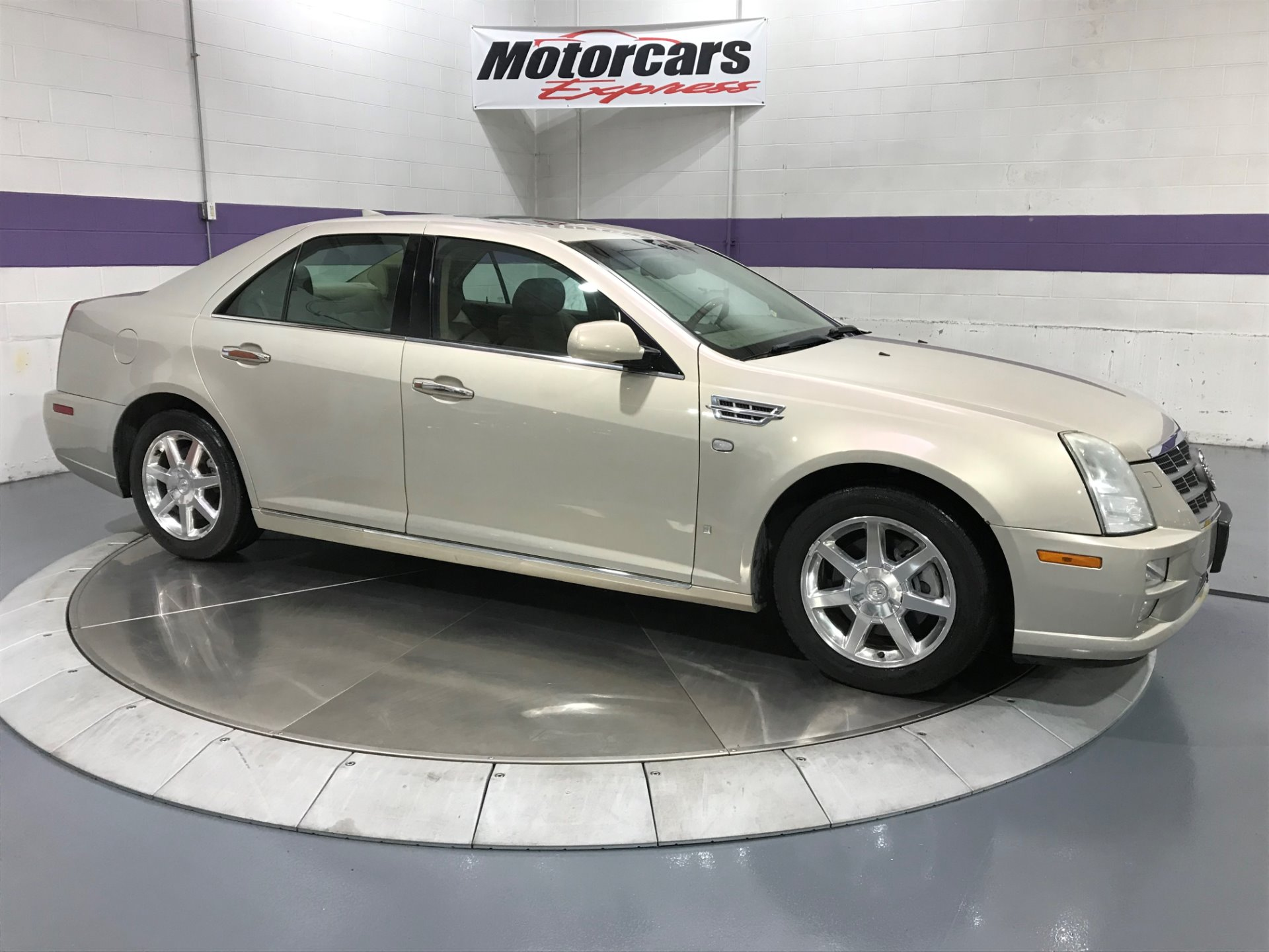 Used-2009-Cadillac-STS-V6-Luxury-AWD-4dr-Sedan-w/Navigation
