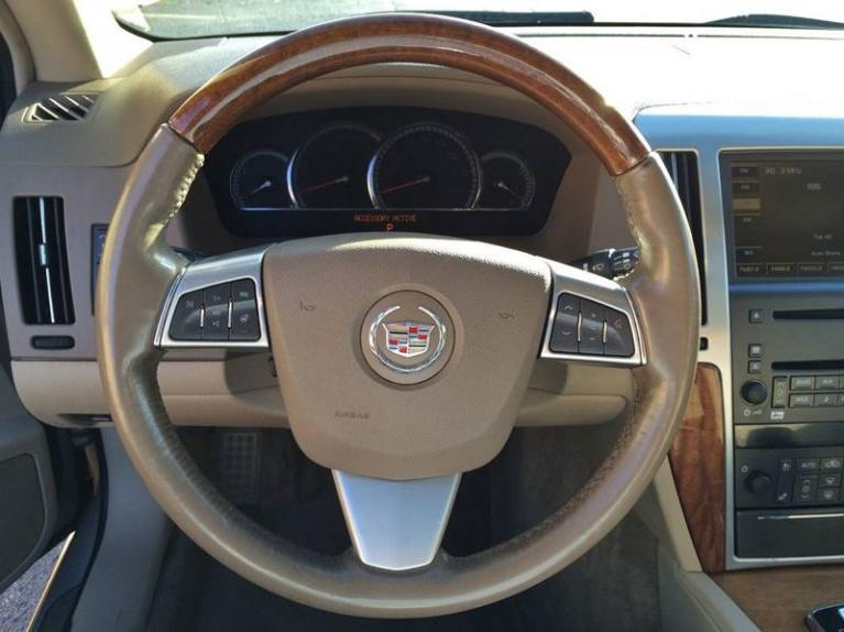 Used-2009-Cadillac-STS-V6-Luxury-AWD-4dr-Sedan-w/Navigation