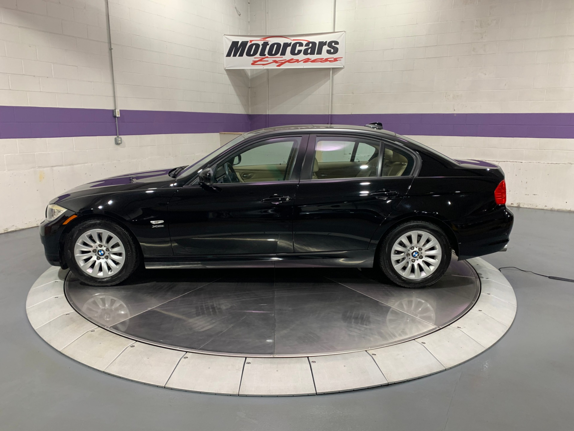 Used-2009-BMW-3-Series-328i-xDrive-AWD