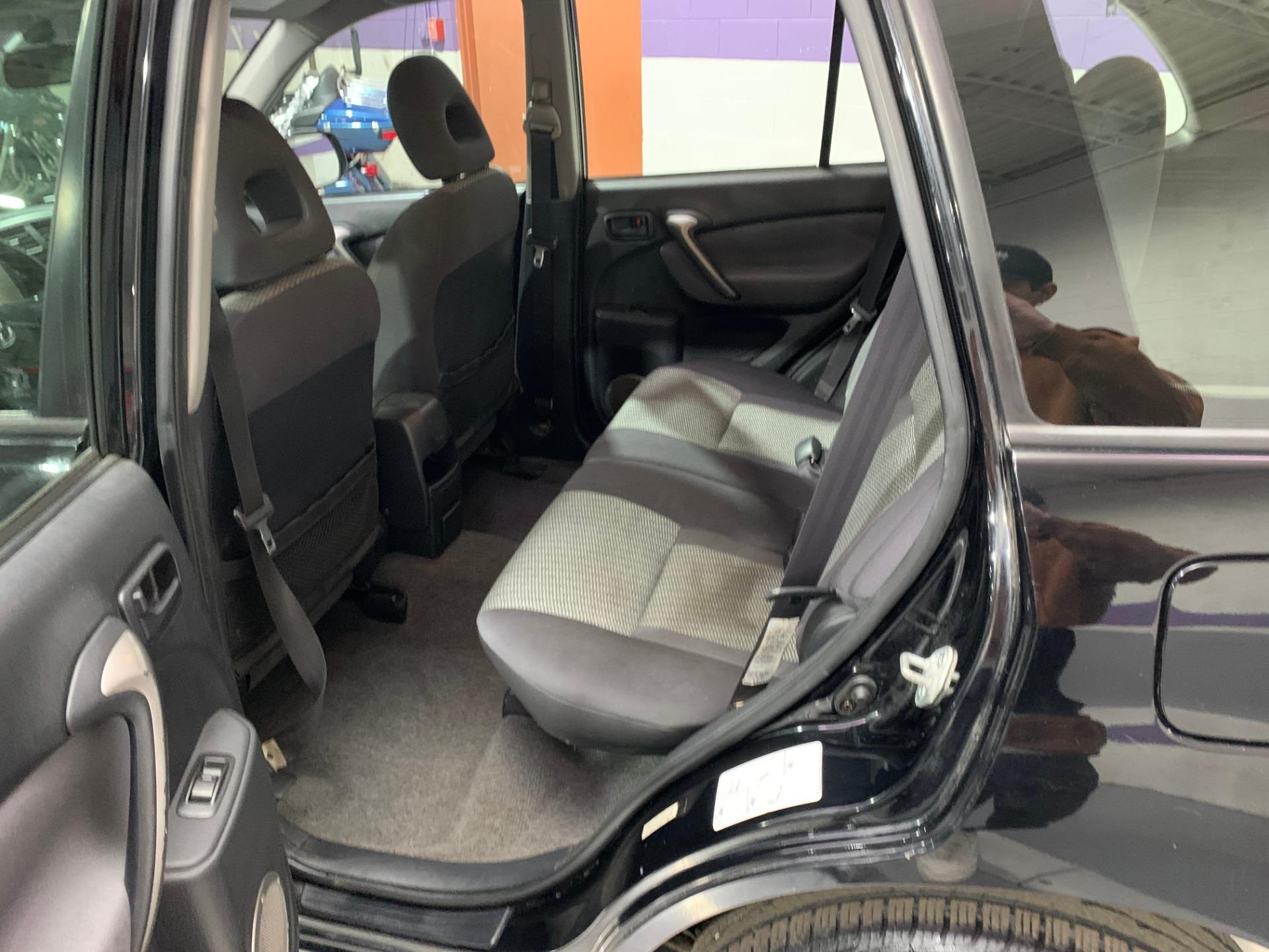 Used-2004-Toyota-RAV4-FWD-Manual