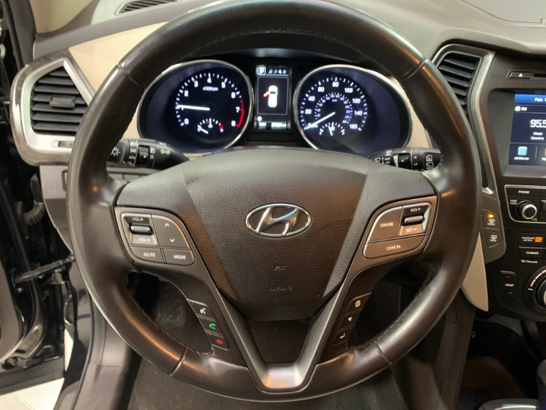 Used-2017-Hyundai-Santa-Fe-Sport-24L-FWD