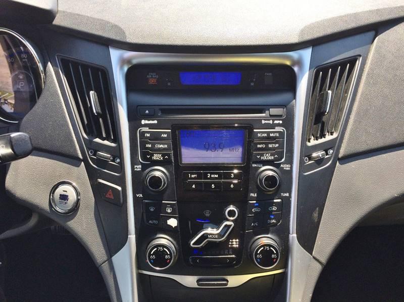 Used-2011-Hyundai-Sonata-SE-20T-4dr-Sedan