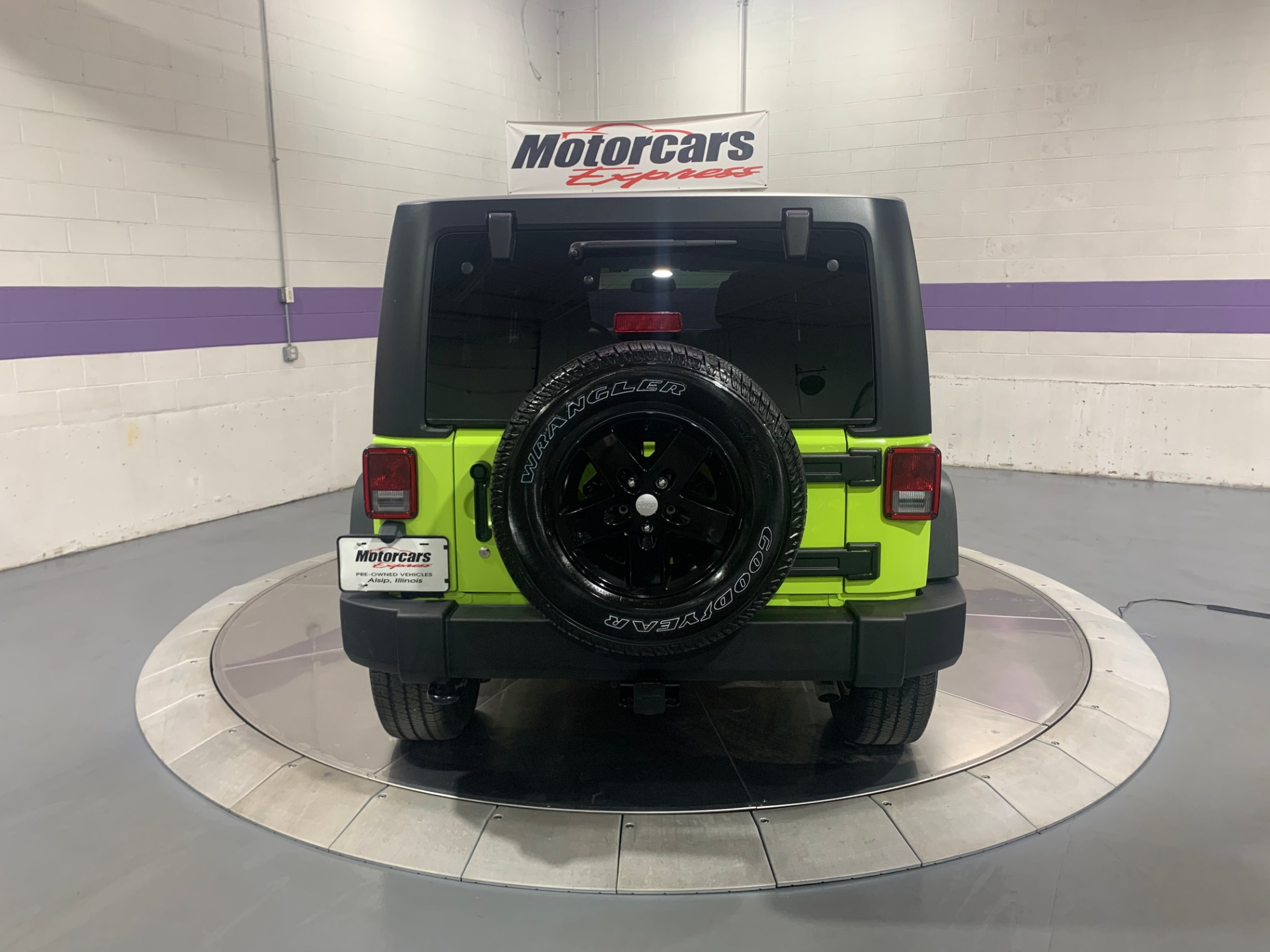 Used-2017-Jeep-Wrangler-Unlimited-Sport