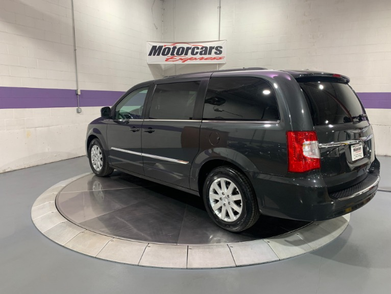 Used-2011-Chrysler-Town-and-Country-Touring-L