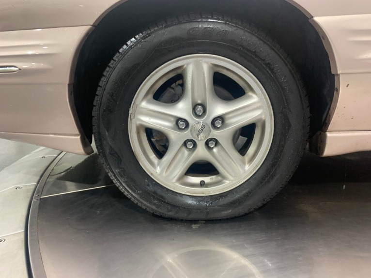Used-1999-Pontiac-Bonneville-SE