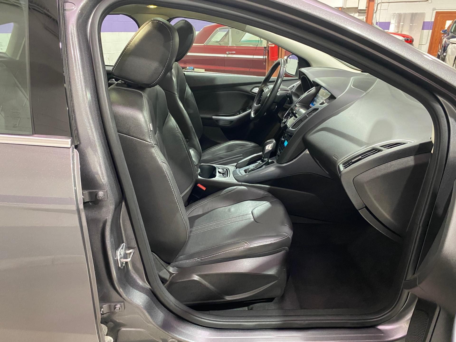 Used-2012-Ford-Focus-Titanium-FWD