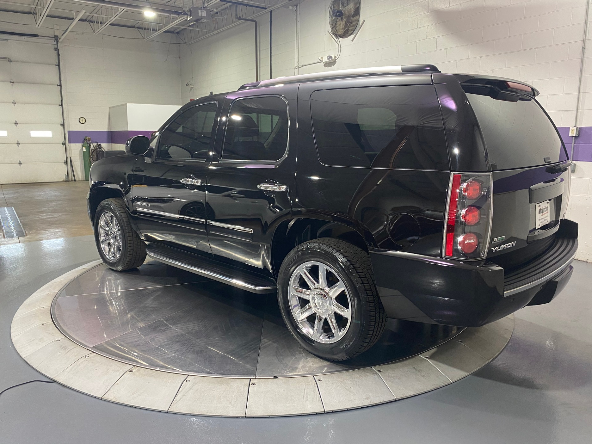 Used-2012-GMC-Yukon-Denali-AWD