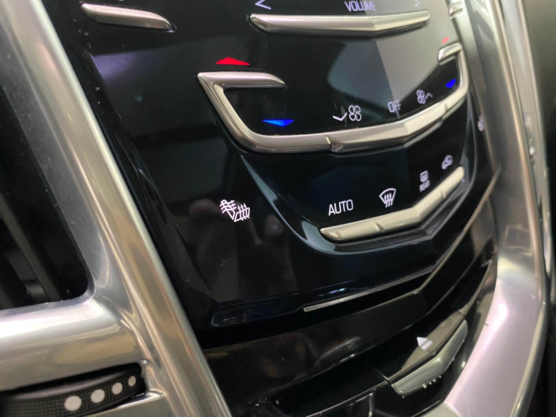 Used-2014-Cadillac-SRX-Luxury-Collection-AWD