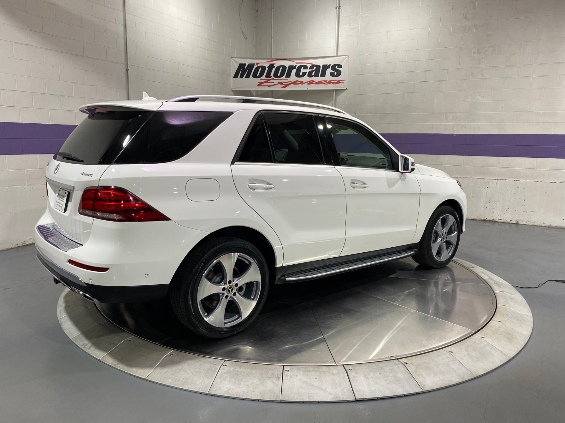 Used-2017-Mercedes-Benz-GLE-GLE-350-4MATIC