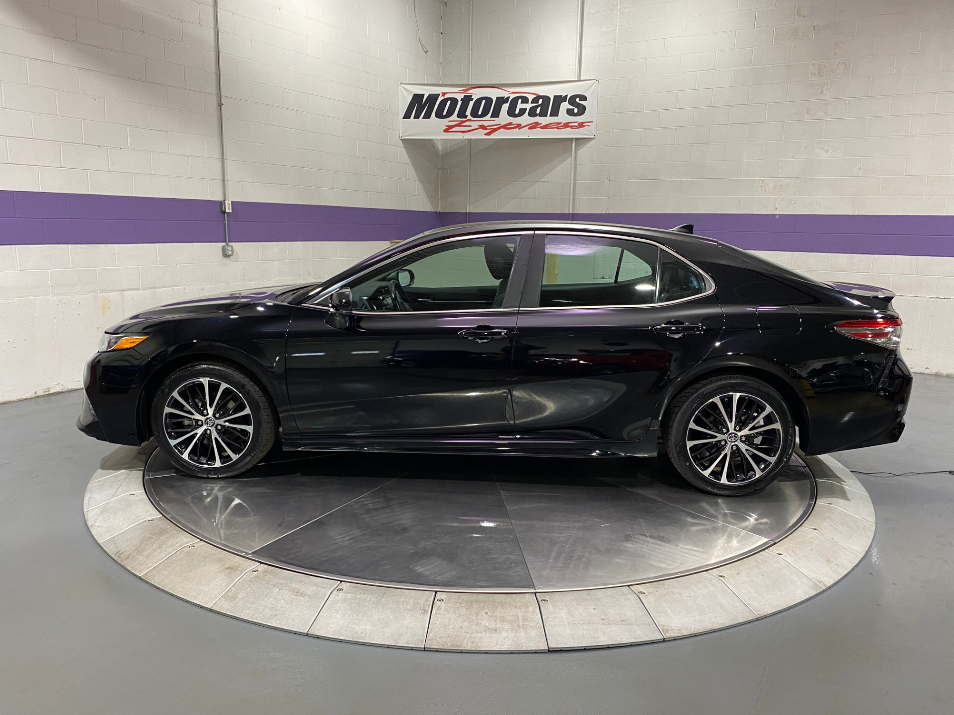 Used-2019-Toyota-Camry-SE-FWD