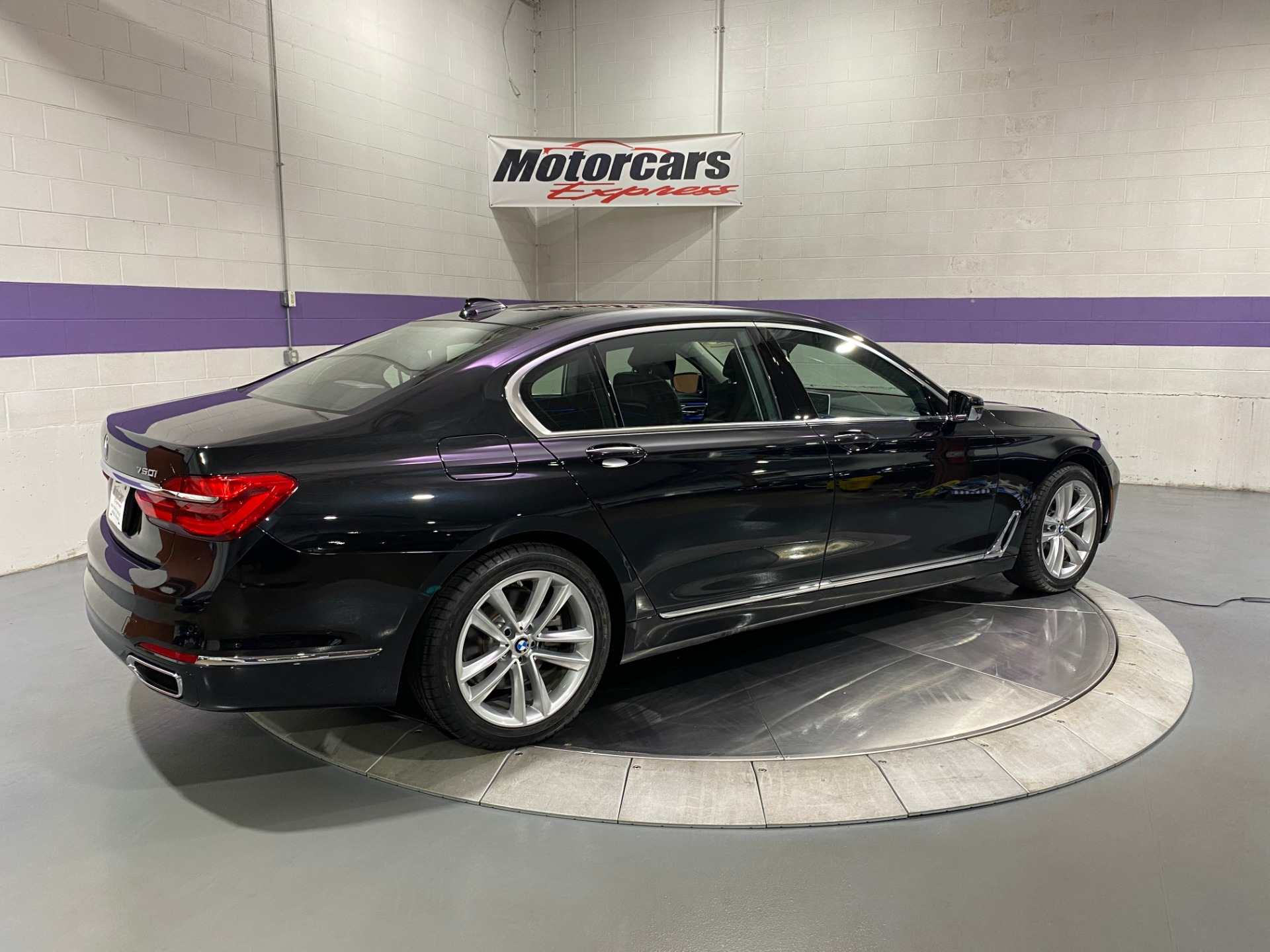 Used-2018-BMW-7-Series-750i-xDrive