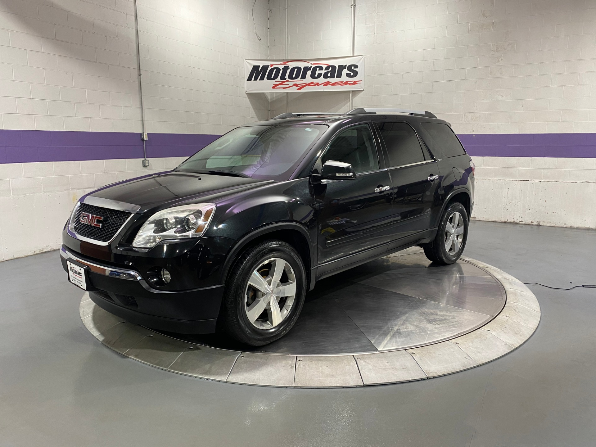 Used-2011-GMC-Acadia-SLT-1-AWD