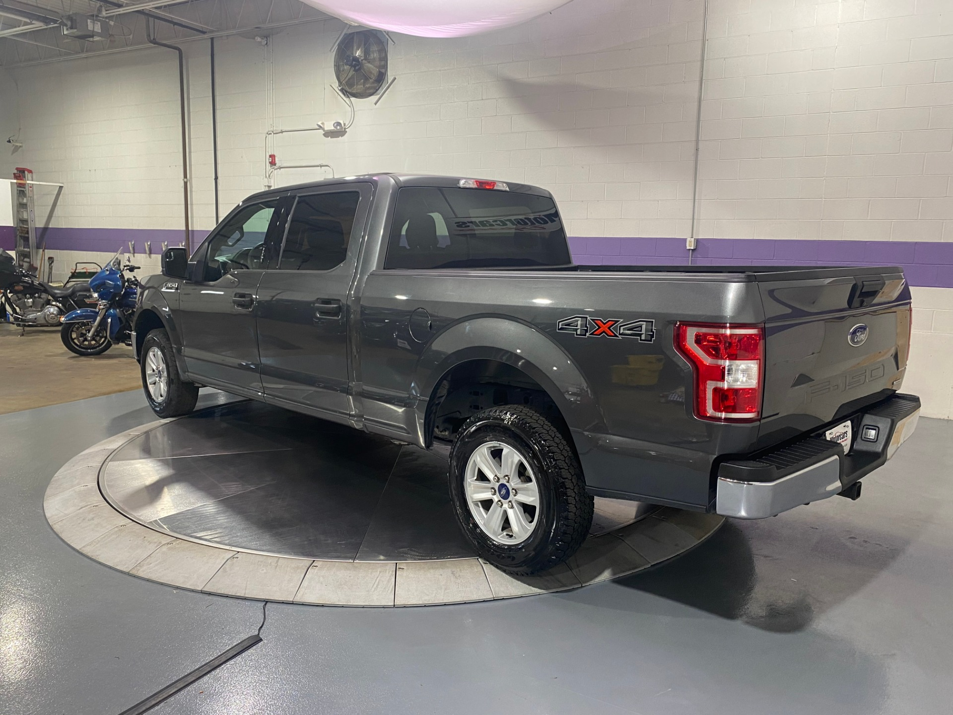 Used-2019-Ford-F-150-XLT-4x4