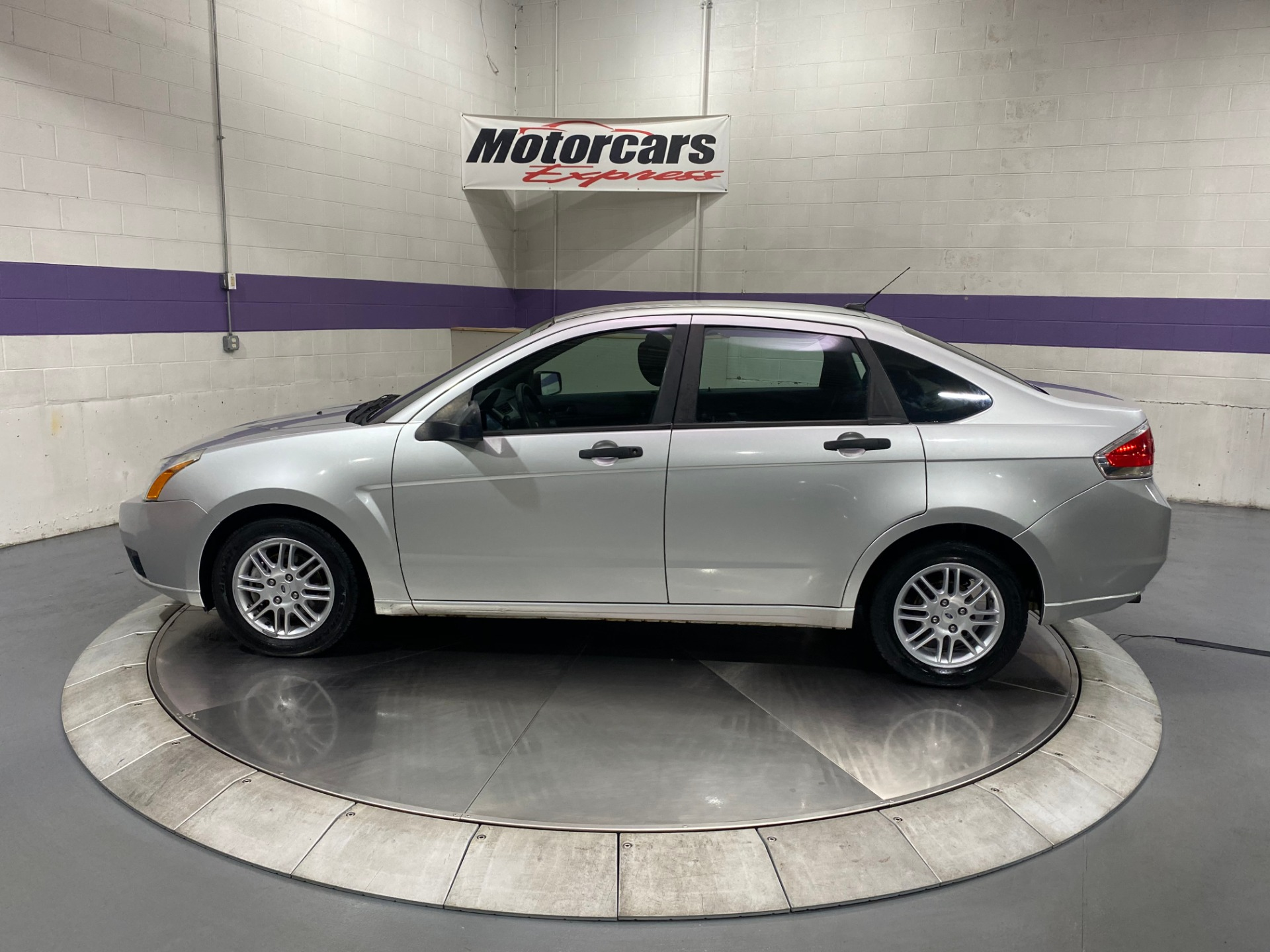 Used-2010-Ford-Focus-SE