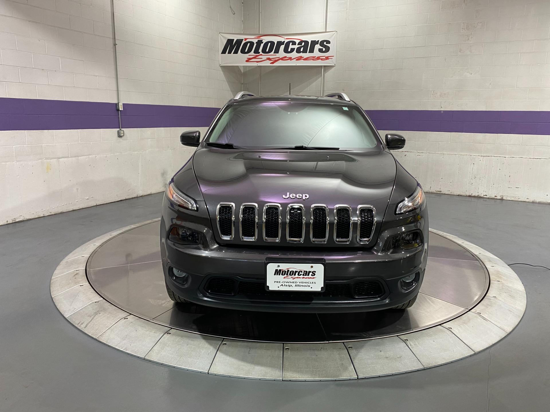Used-2017-Jeep-Cherokee-Latitude-4X4