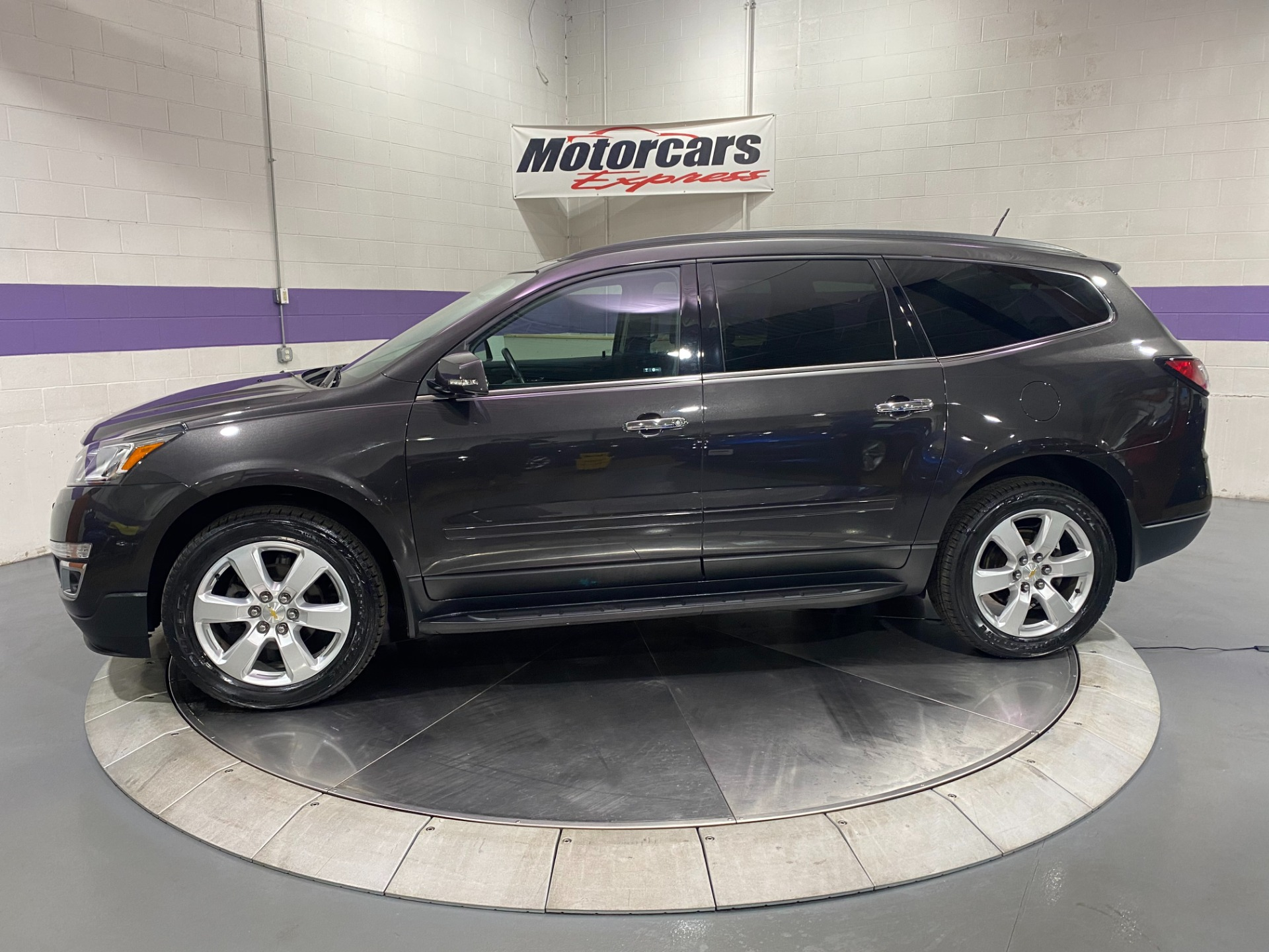 Used-2017-Chevrolet-Traverse-LT-AWD