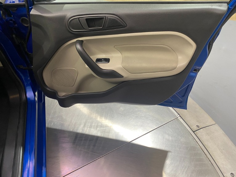 Used-2019-Ford-Fiesta-SE-FWD