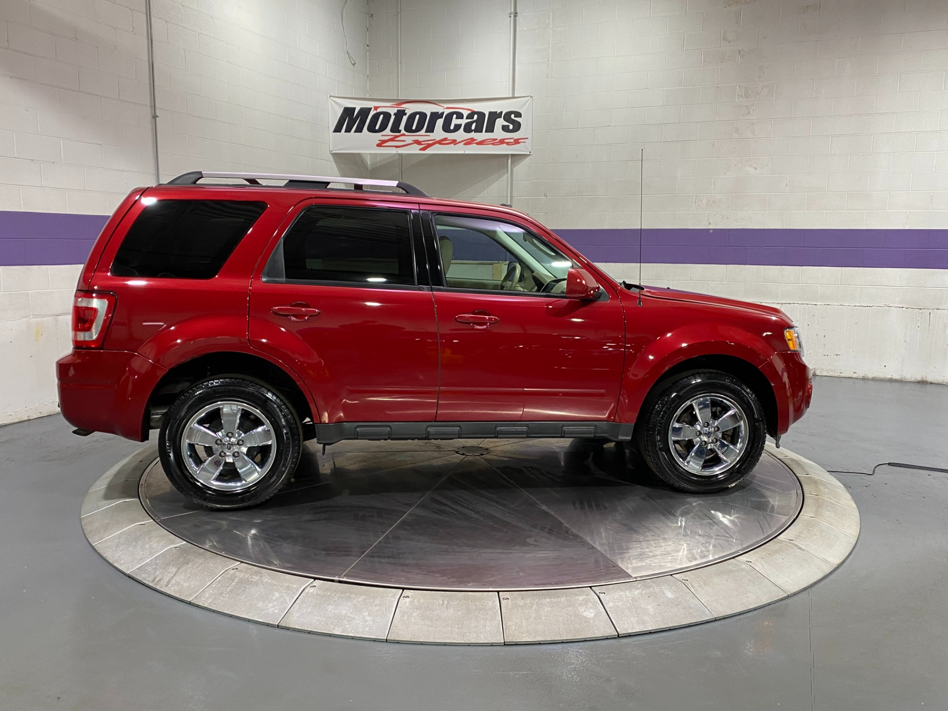 Used-2009-Ford-Escape-Limited-FWD