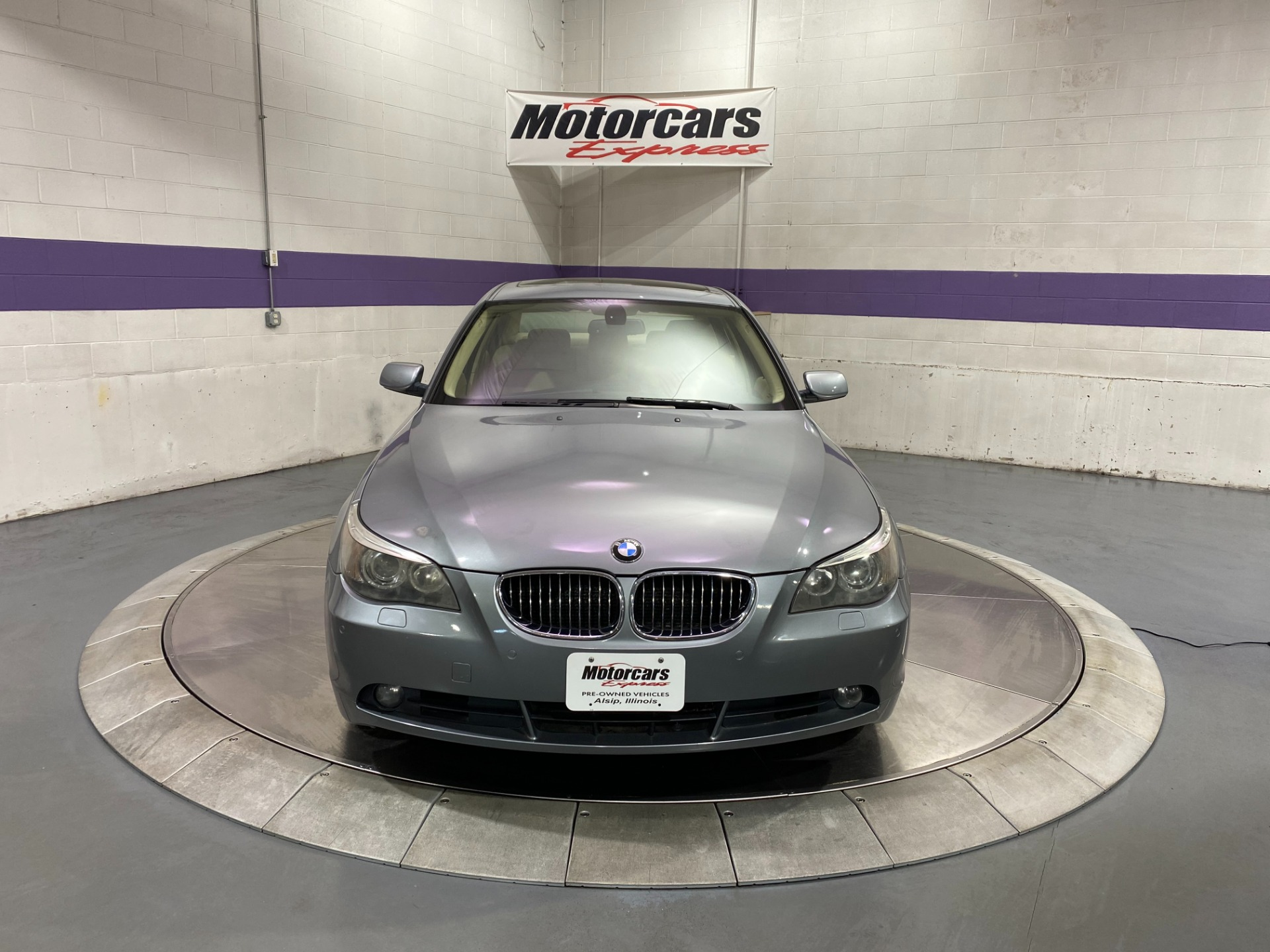 Used-2007-BMW-5-Series-550i-RWD