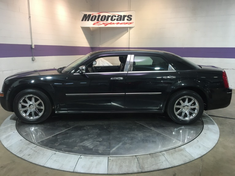 Used-2010-Chrysler-300-Touring