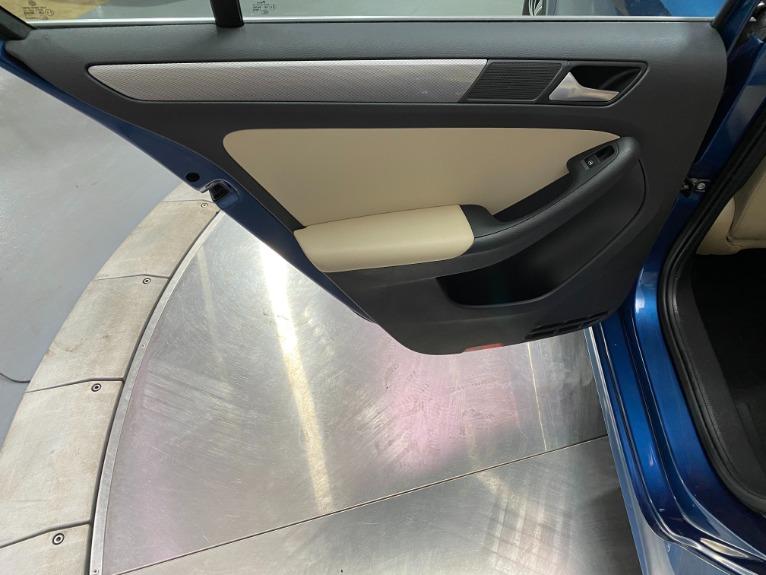 Used-2017-Volkswagen-Jetta-14T-SE