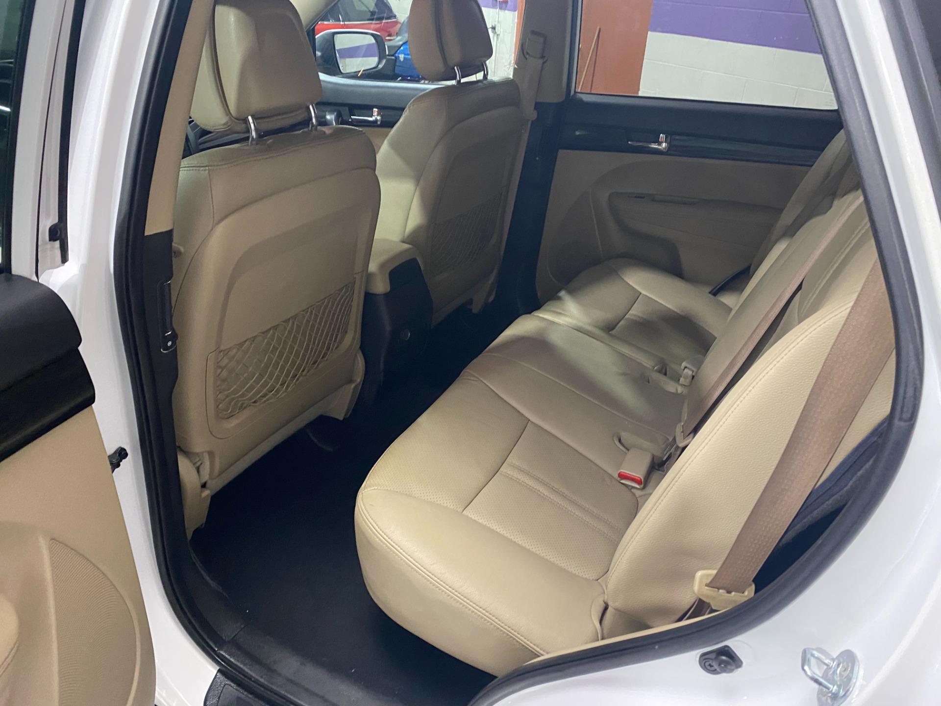 Used-2011-Kia-Sorento-EX-FWD