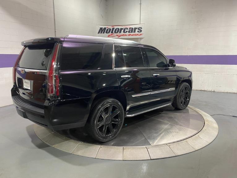 Used-2015-Cadillac-Escalade-Luxury-4X4