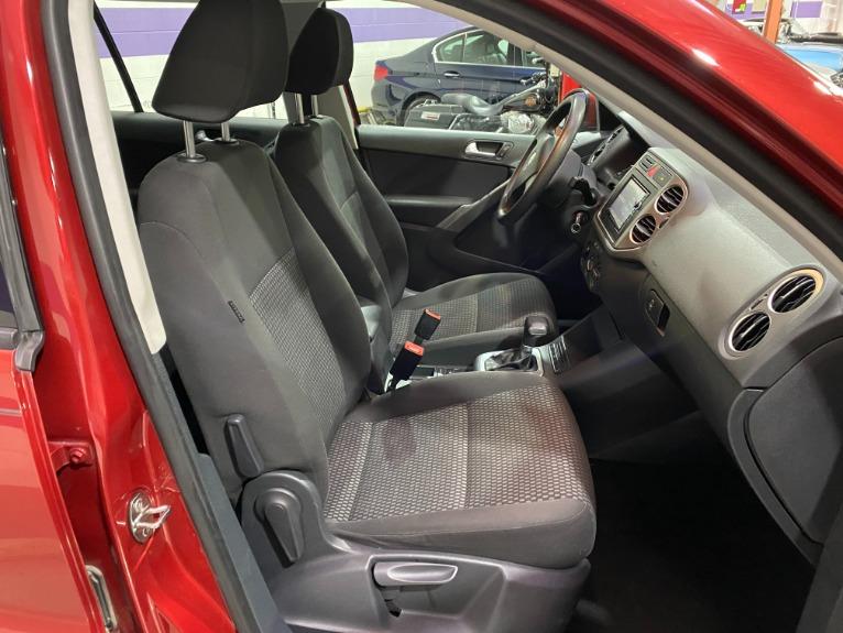 Used-2009-Volkswagen-Tiguan-FWD