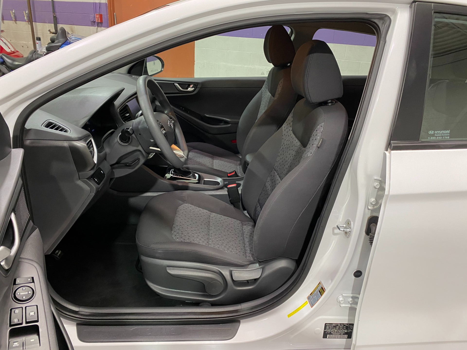 Used-2018-Hyundai-Ioniq-Hybrid-Blue-FWD
