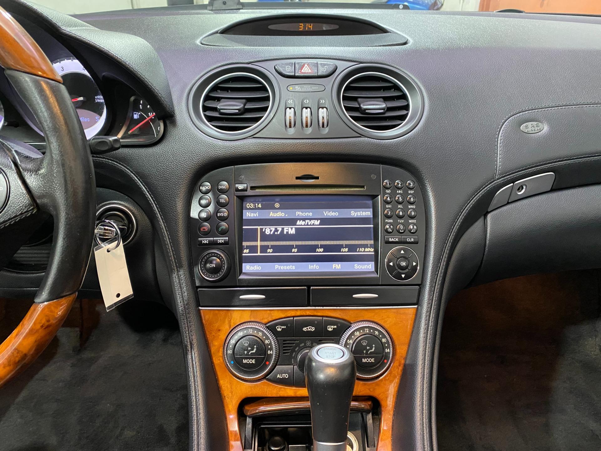 Used-2009-Mercedes-Benz-SL-Class-SL-550-Convertible-RWD