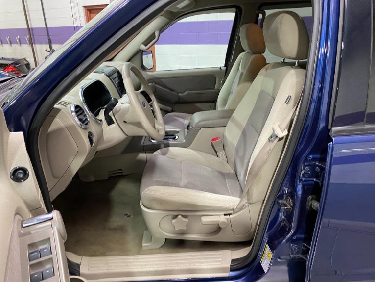Used-2007-Ford-Explorer-XLT-W/-AdvanceTrac-RSC-RWD